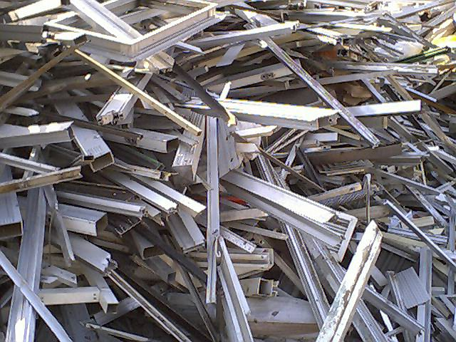 aluminium-extrusion-cleanirony-tread